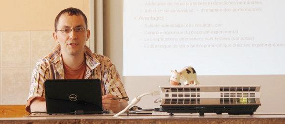 Photo : conférence de Pierre Sigler aux estivales de la question animale 2012